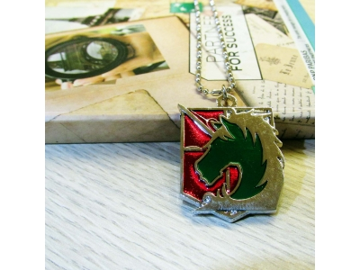 Kalung Attack on Titan Military Police Merah