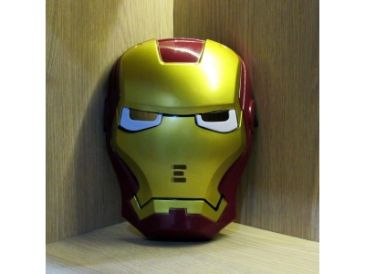 Topeng Iron Man