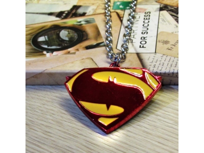 Kalung Logo Superman v batman